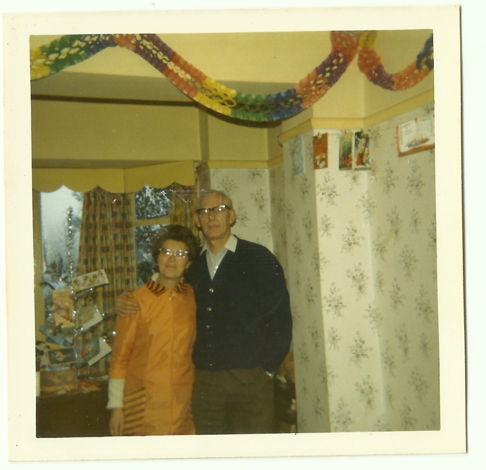 Christmas 1970s Style (2/2)