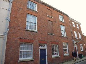 9 Kingsgate Street, Winchester http://www.britishlistedbuildings.co.uk/