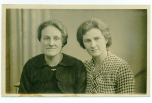 Rose Cleeve (left) and Olive Cleeve