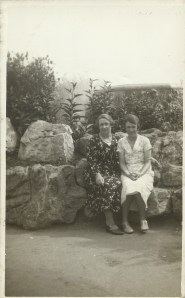 Dora Ashbolt with her mother Edith Cleeve (Doswell)