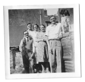 Winifred Howells (centre) with my Dad (Gordon Dinnis) right, and her daughter Lorenza Howells, her husband, Arthur and son, Pat.