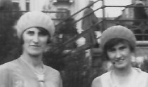 27 Sept 1931 Brighton Annie and Olive - Copy
