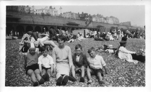 Nancy, Ron, Annie, Jack and Gordon 5 August 1931 Brighton beach