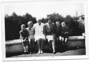 Ron, Nancy, Dora, Annie, Jack & Gordon Brighton August 1930