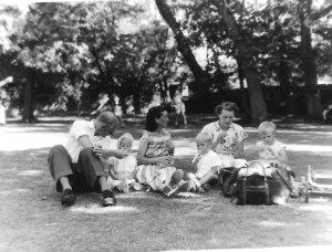27 August 1959 St Anne's Wells Park, Hove Gordon, Jackie & Enid Dinnis, Ian, Nancy & Sue Arkell