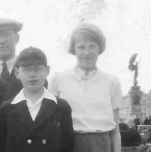 9 June 1935 Jack, annie, ron, Joseph, Gordon, Nancy (2)