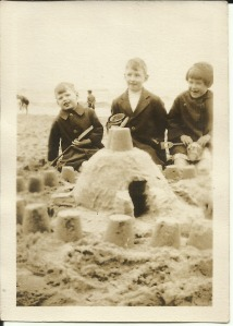 August 1927 Whitley Bay Gordon, Jack and Nancy Dinnis
