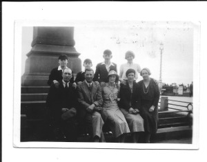 9 June 1935 Brighton and Hove Back row, left to right, Gordon, Ron, Jack and Nancy. Front row, left to right,  Joseph, Ernest, Dora, Annie and Edith.
