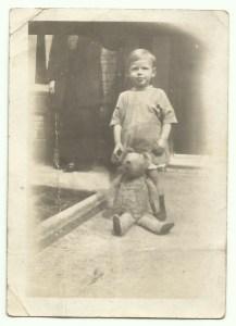 7 August 1925 Gordon Charles Dinnis