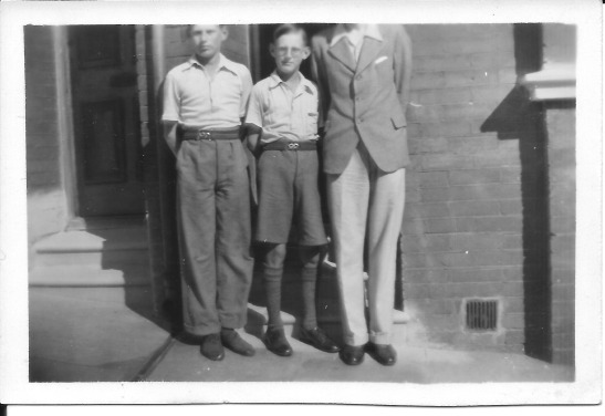 Funny Photo #3 Uncle Jack was very tall.