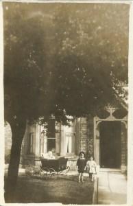 26 Aug 1924 outside house in Newcastle Gordon in pram