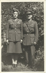 Nancy Dora Dinnis with her father Joseph Taylor Dinnis August 1942