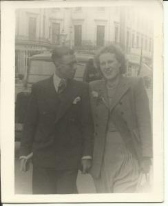 27 April 1947 Bert and Nancy on their honeymoon, London Strand