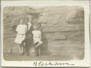 Blackpool 1924. Cora and her daughters.