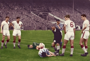 https://beatnikmufc.files.wordpress.com/2011/04/fa-cup-final-1957-copy.jpg