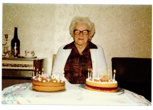 Aunt Rose 90th birthday 07.11.1985 - Copy (2)